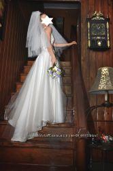Продам красивое свадебное платье нежное