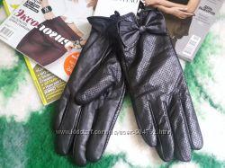 Кожаные перчатки  Red Valentino оригинал