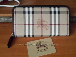 Брендовый кошелек Burberry с паспортом