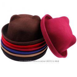 Шляпа - котелок с ушками, темно-красная