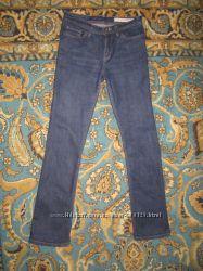 Отличные фирменные джинсы  Colins состояние новых