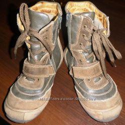Осенние ботинки B&G