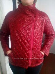 Курточка темно-вишневого цвета