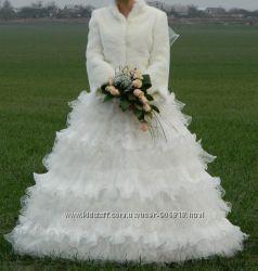 Свадебное платье, шитое и аксессуары к нему