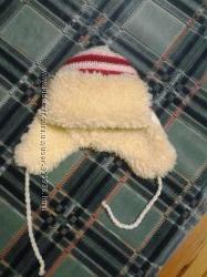 Вязаная шапка на овчинке