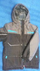 Курточка зимняя на мальчика 8-9 лет