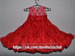 Красное платье на выпускной бал, красивое и пышное