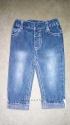 Фирменные джинсы мальчику или девочке на 3-6 мес и на 12 мес