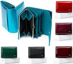 Женский кошелек Sergio Torretti из натуральной лаковой кожи много моделей