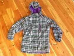 Y. d. Фирменная зимняя термо куртка на 150-160см. Отличное состояние.