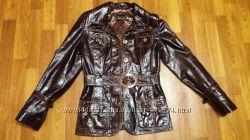 шикарная кожаная лаковая куртка