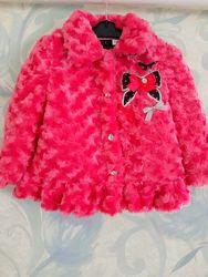 Очень нарядная и мягкая шубка-пальто  для принцесски бренда Young Hearts