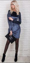 Шикарное велюровое платье серого цвета с кружевом