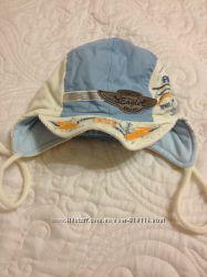 Продам шапки Деми размер 42-44 новые