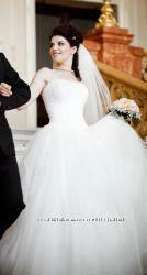 Свадебное платье и аксессуары в комплекте