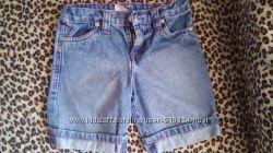 Детские джинсовые шорты на девочку 3-4 годика в хорошем состоянии.