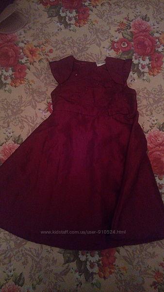 Нарядное платье для девочки 1-2 года фирмы Ladybird цвет бордо