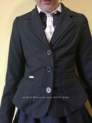 Пиджак для школы с воланами жакет в отличном состоянии