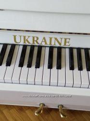 Продам белое пианино