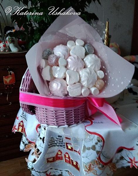 Съедобный букет из зифира, маршмеллоу, конфет, печенья