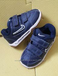 Кроссовки Nike оригинал 22 р.