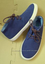 демисезонные ботинки Benetton р. 32