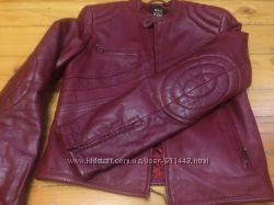 Продам недорого кожанную красную, стильную куртку оригинал Mango MNG.