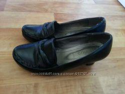 Туфли женские р. 38  25см