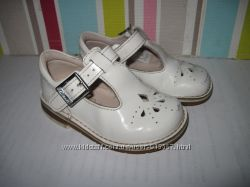 Туфли кожаные Clarks для девочки 20-21 размер стелька 13 см