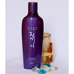 Регенерирующий шампунь для волос DAENG GI MEO RI Vitalizing Shampoo 145ml