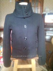 Кашемірова курточка на замочку і пугвичках