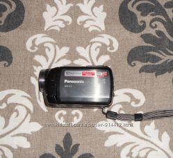 Стильная ультракомпактная камера Panasonic SDR-S7