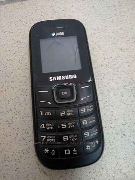 Кнопочні мобільні телефони