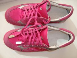 Кроссовочки для модниц
