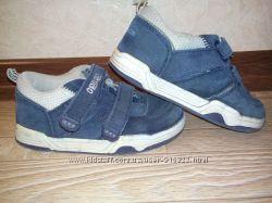 Фирменные кроссовки скейтера Oshkosh