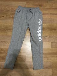Спортивные штаны Adidas, серого цвета
