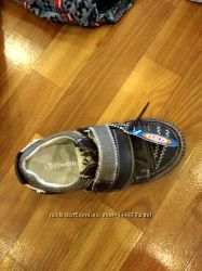 продам новые спортивная туфли фирмы  антилопа