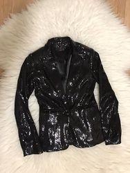 Нарядный блестящий пиджак на выпускной или торжество