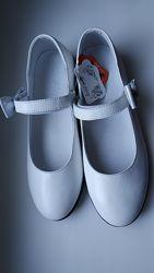 Кожаные туфли с бантиком на липучке Lapsi белые