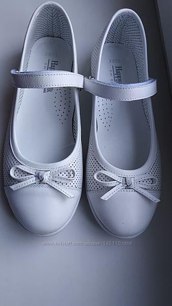 Кожаные туфли с бантиком на липучке Happy Walk белые