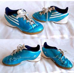 Кроссовки Adidas, размер 30, по стельке 18, 5 см