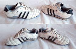 Кроссовки Adidas, размер 31, по стельке 19 см