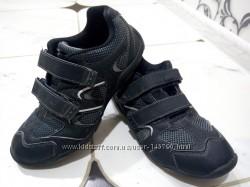 Классные кроссовки F&F
