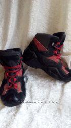 Демисезонные ботинки LOWA с системой Gore-tex