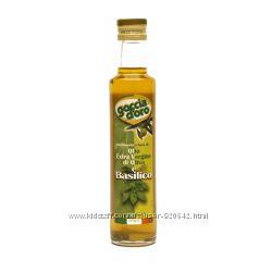 Оливковое масло Extra Vergine с базиликом Goccia d&acuteoro 250мл Италия