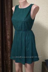 Легкое трикотажное летнее платье сарафан зеленого цвета. S