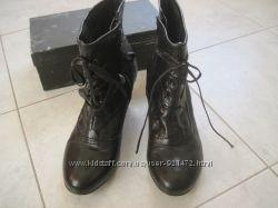 Кожаные черные ботинки 41