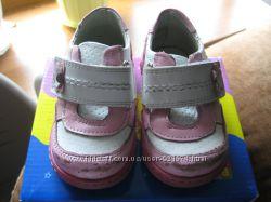 Продам детские туфельки Red Kids