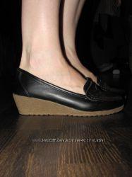 Новые туфли черные, р. 35-36, на платформе