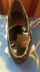 Женские лакированные лоуферы черного цвета комбинированные замшей